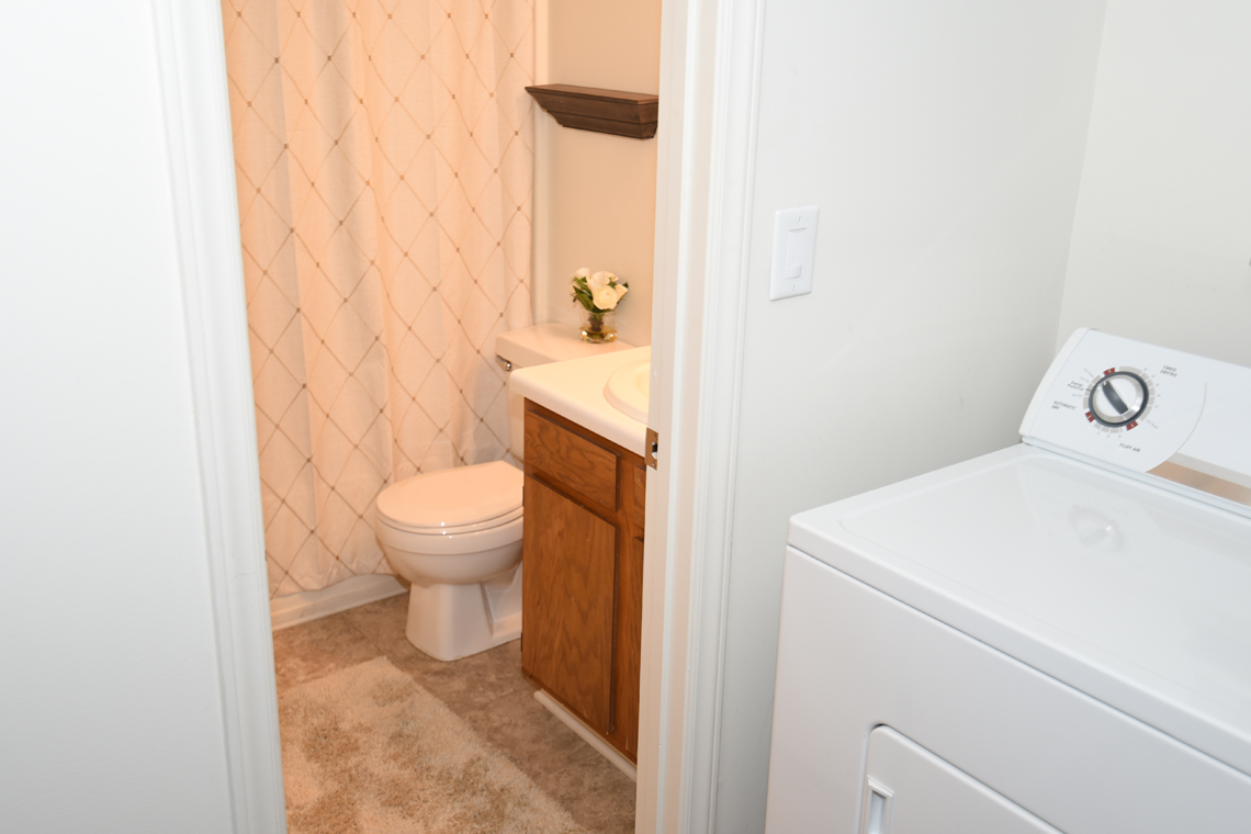 Wesley South at ECU & Brookfield at Lynndale - 2 Bedroom Bathroom